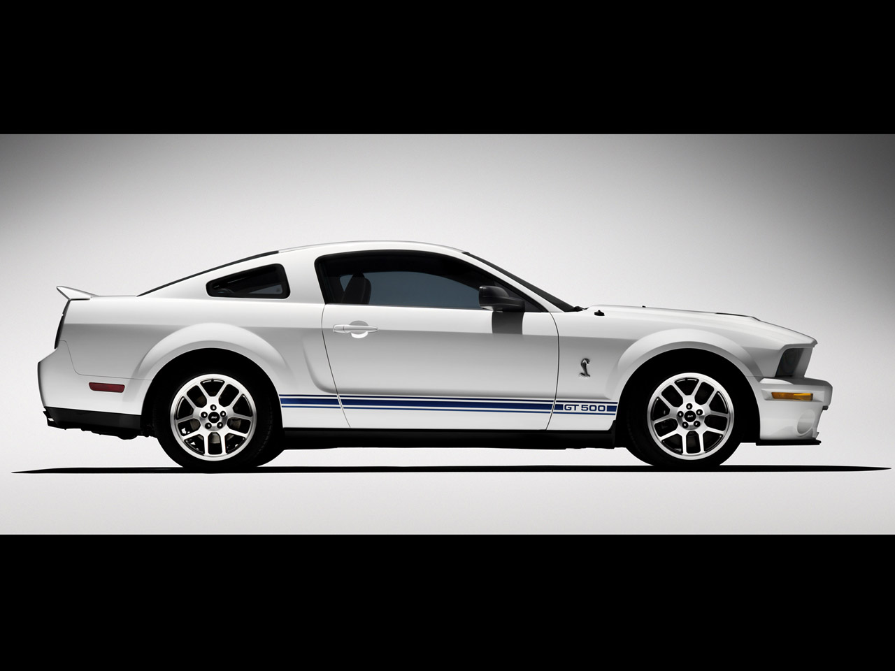 39 07 shelby gt 500. Black Bedroom Furniture Sets. Home Design Ideas
